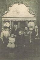 - 62-Oignies - Reproduction Photo - Famille Cachera Devant Le Piano Mécanique - - France