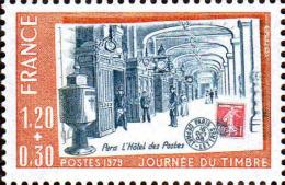 France Poste N** (Yv:2037 Mi 2143) Yv:0,8 Euro Journ�e du timbre Paris L'h�tel des Postes (Th�me)