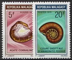 Madagascar, n� 472 � n� 473** Y et T