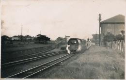 "ROYAUME UNI - ENGLAND - RAILWAY - CHRISTCHURCH - Train ""The Bournemouth Belle "" Going Through Christchurch - Inglaterra"