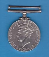 GEORGIVS VI D G BR OMN REX ET INDIAE IMP  /  World War II Medal _  1939 - 1945. - Regno Unito