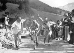 Tour De France 1947 -** Jean ROBIC**- Carte Photo Collector - Ciclismo