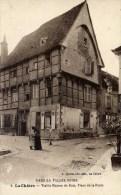 36 LA CHATRE Place De La Poste Vieille Maison De Bois  Petite Animation - La Chatre