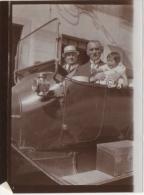 Foto/Photo Ancienne. Automobile. Hommes & Bébé - Automobiles