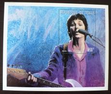 TCHAD  Paul Mc CARTNEY, Les Beatles, Musique.  Feuillet Emis En 1996  ** MNH. - Zangers