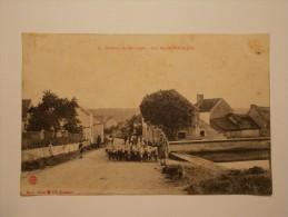 Carte Postale - Les Environs De MONTBARD (21) - Une Rue De TOUILLON - Métier BERGER (5/47) - Montbard