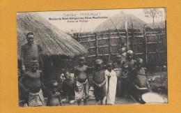 Afrique Malawi , Mission Du Shiré Des Peres Montfortains , Scene De Village - Malawi