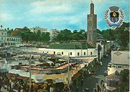 Tangeri (Marocco) Tanger Et Sa Mosquée Et Armoiries De La Ville, Piazza Del Mercato Con Il Mercato, Place Du Marchè - Halles