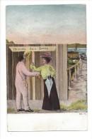 12581 - Couple,à La Mer Femme Chapeau Et Ombrelle Devnt Cabine Bain - Paare
