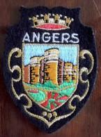 Ancien Patch à Coudre Écusson - Angers - Pays De Loire - Le Château - Ecussons Tissu