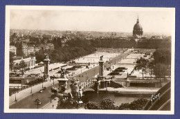 Paris - Port Alexandre III Et Esplanade Des Invalides - 75 Paris - Non Classés