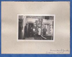 Photo Ancienne - AVRANCHES ( Manche ) - La Famille Desbois Devant Leur Masion - 1936 - Orte