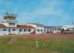 SAINT-PIERRE ET MIQUELON. Aéroport De Saint-Pierre - Aeródromos
