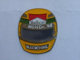 Pin's CASQUE MARLBORO HONDA NACIONAL - F1