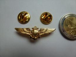 Superbe Pin´s , Armée Militaire , Ancre De Marine , Aigle - Militair & Leger