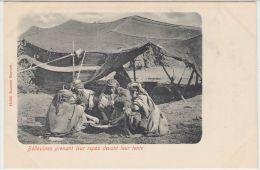 25523g LIBAN - B�douines prenant leur repas devant leur tente - Habib Naaman Editeur