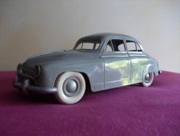 GéGé - Simca 9 Aronde. 1956 - Ech 1/20è - Toy Memorabilia