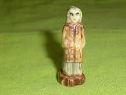F�ves / santons / personnage : saint isidore   T30