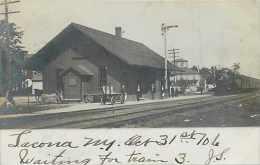 240163-New York, Lacona, RPPC, New York Central Railroad Station, Depot, 1906 Photo - Gares - Sans Trains
