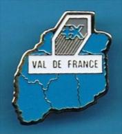 PIN´S //  ** BANQUE POPULAIRE * VAL DE FRANCE ** - Banques
