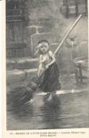 POSTAL    27.- NAISON DE VICTOR HUGO -MUSÉE - COSETTE ( MISÉRABLES ) EMILI BAYARD - Museos