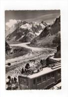 (74) CHAMONIX -MER De GLACE-l'arrivée Du Nouveau Train électrique Du Montenvers La Mer De Glace Et Les Grandes Jorasses - Chamonix-Mont-Blanc