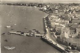 ( Cpsm Gf )  17 - ILE De Ré  - Rivedoux - Le Port              81 - Ile De Ré