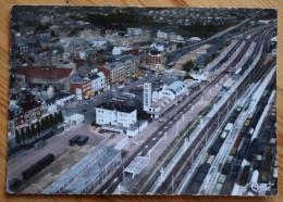 62 : Lens - Place De La Gare - Vue Aérienne - Colorisée - (n°4259) - Lens