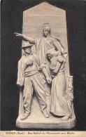 CPA 30 NIMES BAS RELIEF DU MONUMENT AUX MORTS - Nîmes