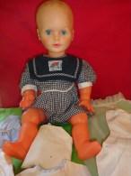 Poupon   Plastique   Hauteur  56 Cm Environ - Dolls