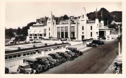 35 - Dinard - Le Casino Municipal, Parterre Fleuri (automobiles) - Dinard