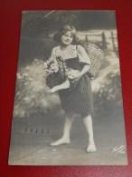 ENFANTS - FANTAISIES -  Jeune Fille Et Son Chat - 1912 - Portretten