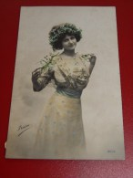 FANTAISIES - FEMMES - Elégante Et Jolie Jeune Femme  -  1911 - Femmes