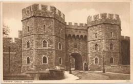 I3267 Windsor Castle - Gateway - Chateau Castello Schloss Castillo / Non Viaggiata - Windsor Castle