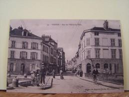 """TROYES (AUBE) LES COMMERCES. LES PONTS TOURNANTS. RUE DE L'HOTEL-DE-VILLE.    7307""""b"""" - Troyes"""