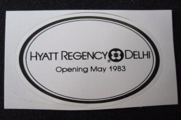 HOTEL MOTEL INN MINI HYATT REGENCY CALCUTTA NEW DELHI BOMBAY INDIA DECAL STICKER LUGGAGE LABEL ETIQUETTE AUFKLEBER - Hotel Labels