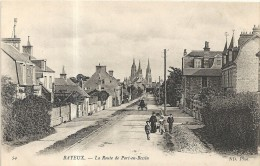 Cavados : Bayeux, La Route De Port En Bessin,  Animée - Bayeux