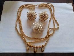 Da Eredità: Parure Girocollo Orecchini Spillo Dorati Con Perle Vintage Anni 1980-Necklace Earrings-Collier Boucles - Gioielli & Orologeria