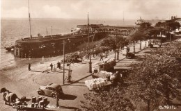 Postcard - Hull Victoria Pier, Yorkshire. G.7811 - Hull
