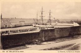 LA COLONIE - LE SALUT AU DRAPEAU - Belle Ile En Mer