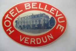 Etiquette D'hotel  Art Deco Pub BELLEVUE VERDUN - Etiquettes D'hotels
