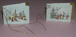 JOYEUX NOEL ETIQUETTE POUR CADEAU PAILLETE ARGENT - ENFANTS NEIGE CLOCHER LAPIN OISEAU - ANNEES 1960 - 2 ETIQUETTES - Kerstmis