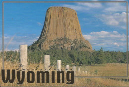 CPM Etats Unis, Wyoming - Devil's Tower, National Monument - Enorme Rocher, Legendes Indiennes (film Steven Spielberg) - Etats-Unis