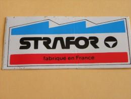 Autocollant, Sticker - STRAFOR - (221P10) - Stickers