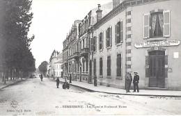 REMIREMONT     ( 88 )  -  La Poste Et Boulevard Thiers - Remiremont