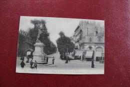 CPA   33 *BORDEAUX * LA PLACE ET LA STATUE DE TOURNY ET LE COURS DU JARDIN PUBLIC - Bordeaux