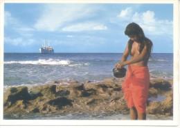 MICRONESIA - GIRL FROM ONO ISLAND POSTCARD - PHOTO BY CHARLES M. SICARD TBE NEW UNCIRCULATED - Micronesia