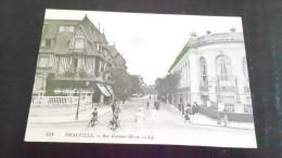 DEAUVILLEUN COIN DE VILLE446 OO - Deauville