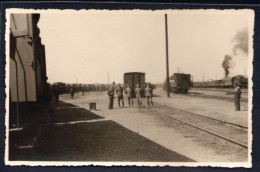 Romania - Rare Photo - Romanian Soldiers At Bobinskaia Train Station (85 Lines) - 2 September 1942 - Guerre, Militaire