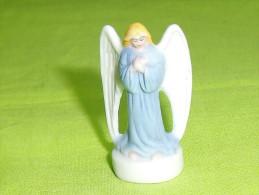 """F�ves / santons / personnage : l'ange  """" mat """"    T87"""